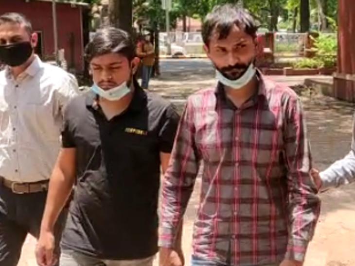 હાઇપ્રોફાઇલ લેડીઝ સાથે સેક્સ કરી રૂપિયા કમાવાની લાલચ આપી લોકો પાસેથી પૈસા પડાવતા 2 લોકોની ધરપકડ કરી અમદાવાદ,Ahmedabad - Divya Bhaskar