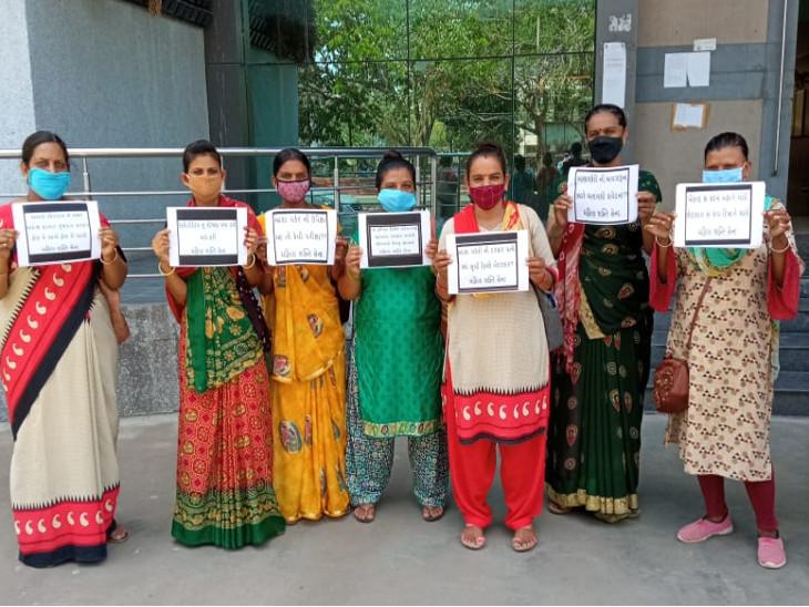 રાજકોટમાં આશાવર્કર અને આશા ફેસિલીટેટર બહેનોનો પગાર મુદ્દે સરકાર પર શોષણનો આક્ષેપ, 33.33 અને 16.33 રૂપિયાનો વધારો આપી બહેનોની મજાક ઉડાવી|રાજકોટ,Rajkot - Divya Bhaskar