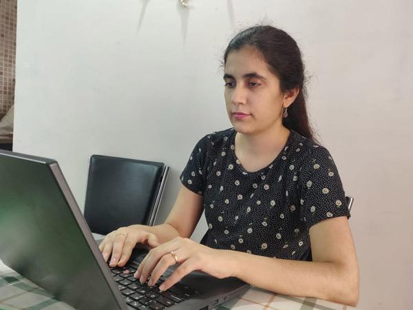 જન્મના ત્રીજા જ મહિને આંખની બીમારી, 7મા વર્ષે ખબર પડી કે હૃદય જમણી બાજુ છે, નામાંકિત કંપનીમાં ઉચ્ચ સ્થાન મળ્યું|રાજકોટ,Rajkot - Divya Bhaskar