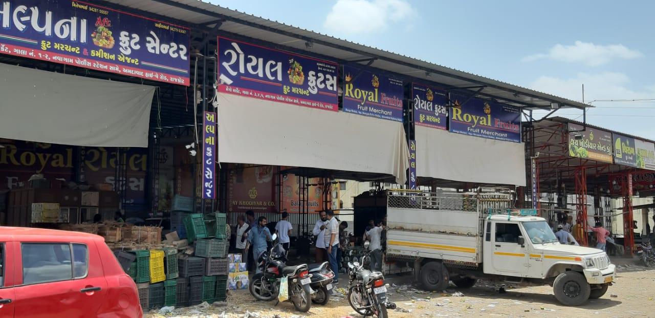 રાજકોટમાં કોરોના મહામારી અને ઉનાળાની સિઝનને ધ્યાનમાં રાખી આરોગ્ય વિભાગ એલર્ટ, આઇસ્ક્રીમના સેમ્પલ લીધા અને 19 કેરીના વેપારીઓને ત્યાં ચેકિંગ|રાજકોટ,Rajkot - Divya Bhaskar