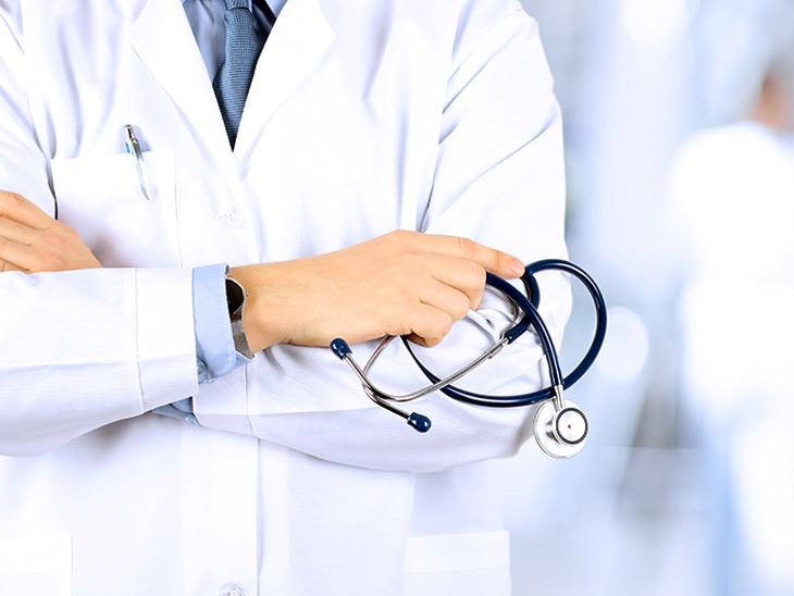 ધોરાજી સિવિલ હોસ્પિટલમાં ખાલી પડેલી ડોક્ટરની જગ્યા ભરવા માંગ ધોરાજી,Dhoraji - Divya Bhaskar