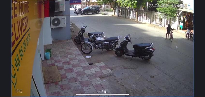 વાલકેશ્વરી નગરના ચકચારી હિટ એન્ડ રન કેસમાં આખરે પોલીસ ફરિયાદ નોંધાઈ જામનગર,Jamnagar - Divya Bhaskar
