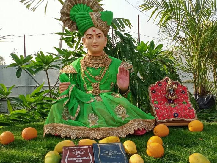 કુમકુમ મંદિર દ્વારા શ્રી અબજીબાપાશ્રીની વાતોની ૧૧૫ મી જયંતી ઉજવાઈ|અમદાવાદ,Ahmedabad - Divya Bhaskar