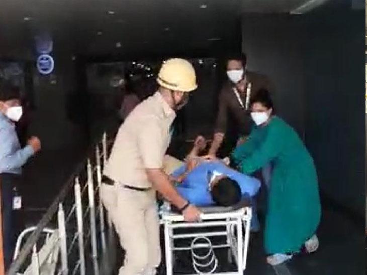 30 દિવસમાં 40 હોસ્પિટલને ફાયર વિભાગે નોટીસ ફટકારી|સુરત,Surat - Divya Bhaskar