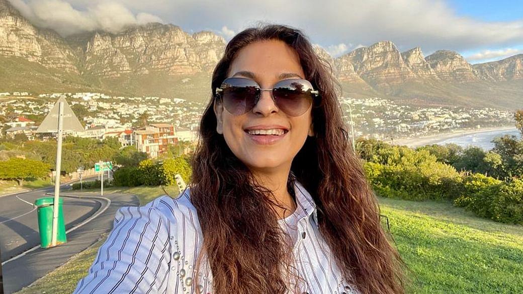 જુહી ચાવલા ટેલિકોમ કંપનીઓની મુશ્કેલી વધારશે, સજીવ સૃષ્ટિની ચિંતા કરી 5G ટેક્નોલોજી વિરુદ્ધ દિલ્હી HCમાં કેસ કર્યો|બોલિવૂડ,Bollywood - Divya Bhaskar