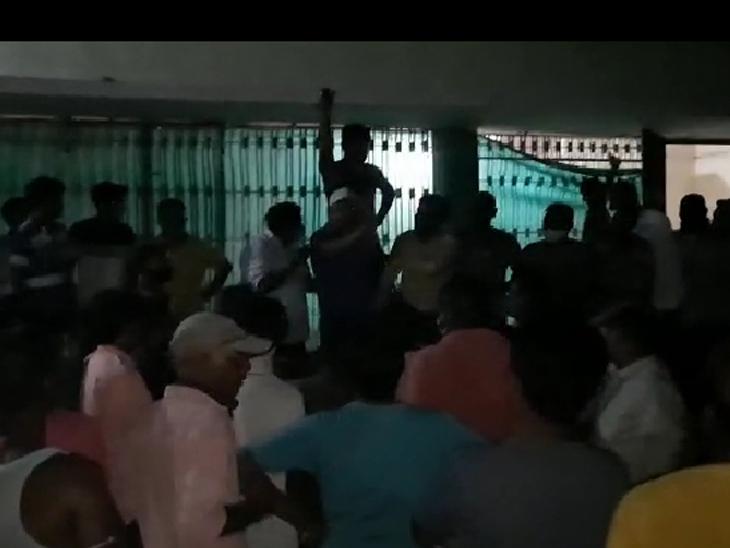 બેરણા દૂધ મંડળીમાં નકલી દૂધ ભરાવતાં 5 લાખનો દંડ|હિંમતનગર,Himatnagar - Divya Bhaskar