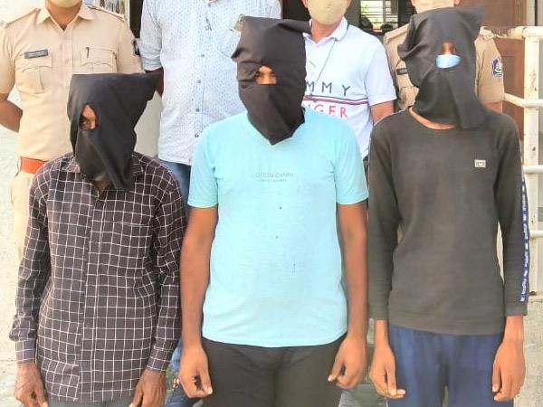 ભાણવડના નવાગામમાં નિંદ્રાધીન યુવાનની હત્યા, 4 આરોપી પકડાયા|જામ ખંભાળિયા,Jamkhambhaliya - Divya Bhaskar