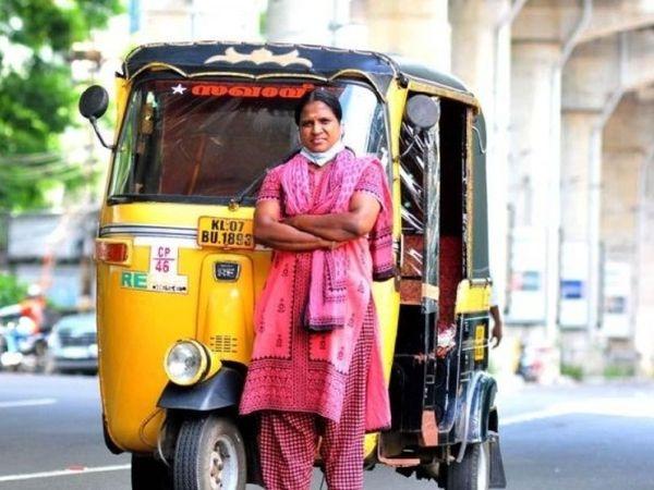 2012માં પોતાની રિક્ષા ખરીદી હતી - Divya Bhaskar
