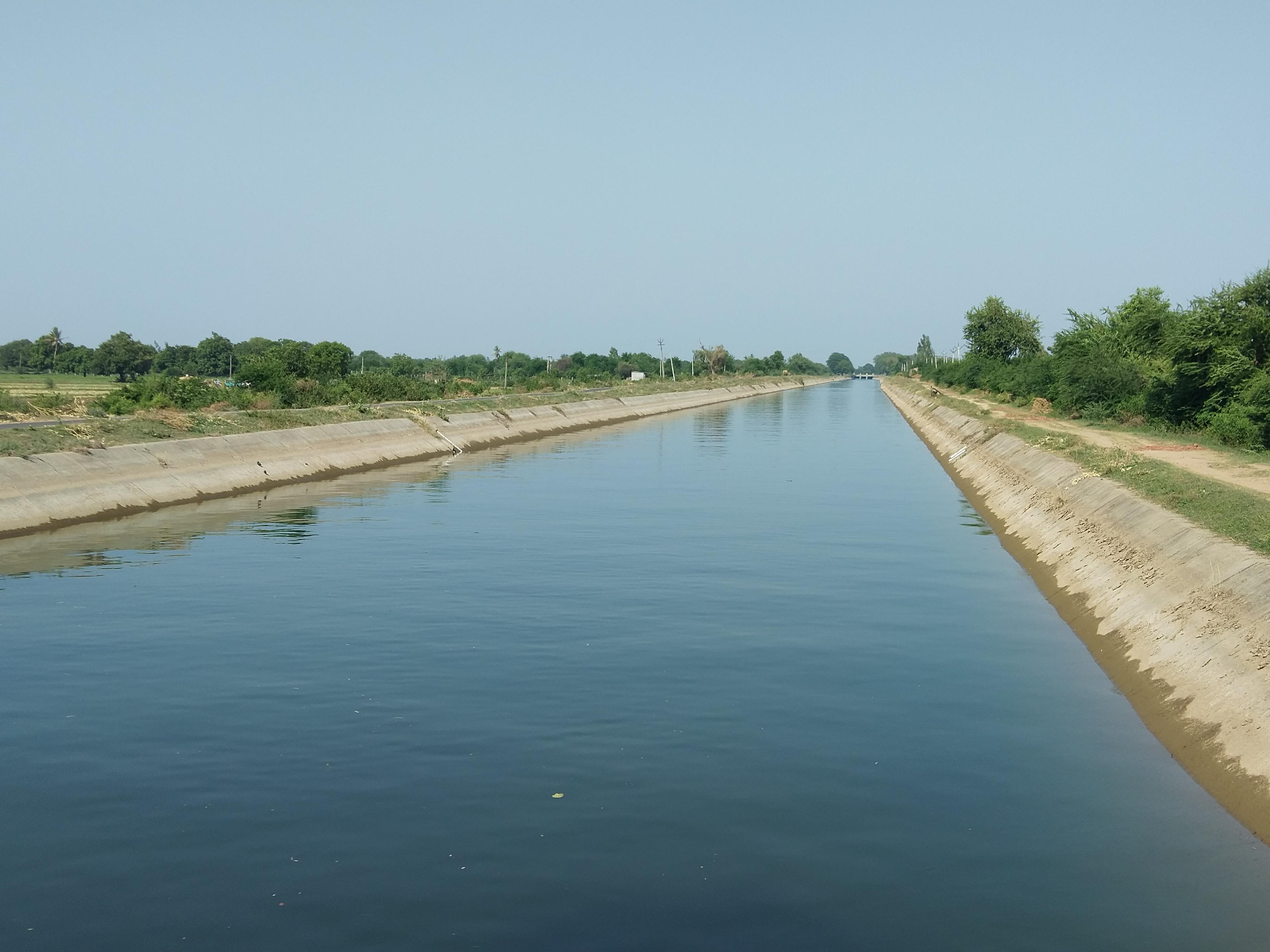 આણંદના ભાલ પંથકના 105 ગામોને દરરોજ આપવામાં આવતાં પાણીનો 10 કરોડ ઉપરનો લોક વેરો બાકી આણંદ,Anand - Divya Bhaskar