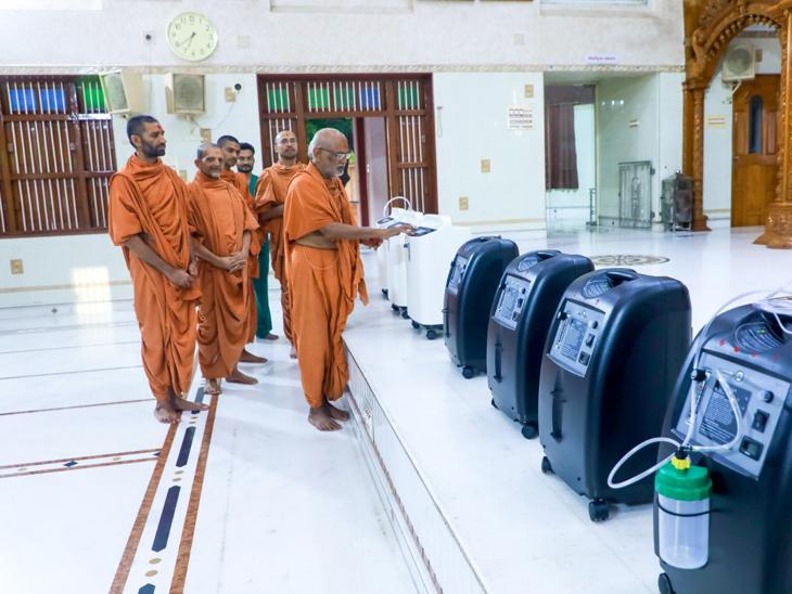એક મિનિટમાં છ કિલો ઓક્સિજન આપી શકે તેવા મશીન સ્વામિનારાયણ ગુરુકુળ જરૂરિયાતમંદને આપશે|રાજકોટ,Rajkot - Divya Bhaskar