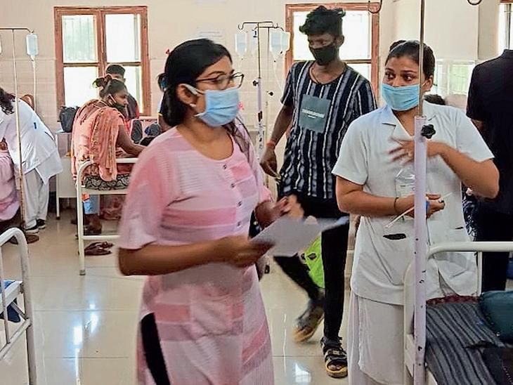ઝાડા ઉલટીના કેસને પગલે સરકારી તેમજ ખાનગી હોસ્પિટલો ઉભરાઈ. - Divya Bhaskar