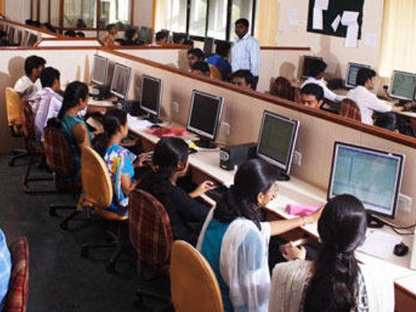 ધો.10ની માર્કશીટ આપ્યા પહેલા ડિપ્લોમા ઈજનેરીના પ્રવેશની જાહેરાત કરાતા વિદ્યાર્થીઓ મૂંઝવણમાં મુકાયા|અમદાવાદ,Ahmedabad - Divya Bhaskar