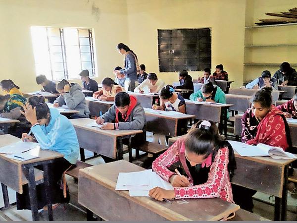ધોરણ 12ના 6.92 લાખ વિદ્યાર્થીઓ અને 12 લાખથી વધુ વાલીઓની ગુજરાત સરકારના નિર્ણય પર નજર|અમદાવાદ,Ahmedabad - Divya Bhaskar