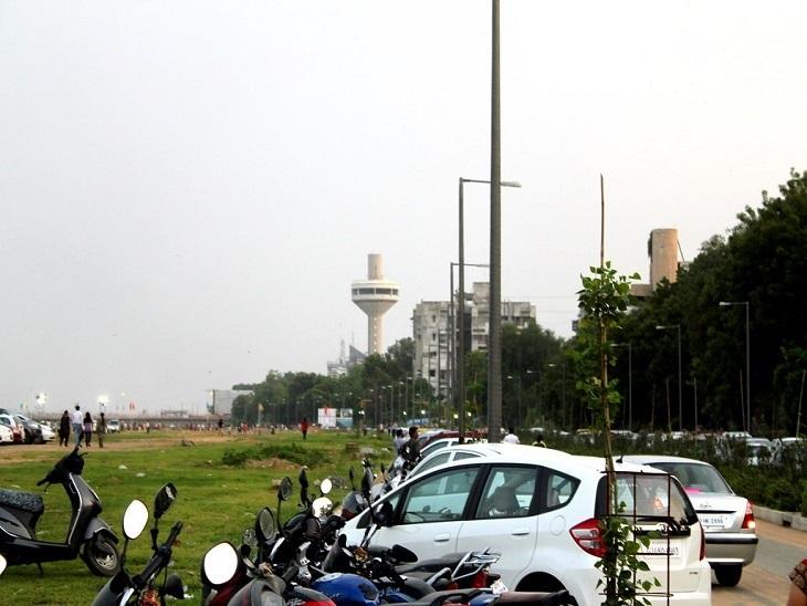 'સાબરમતી રિવરફ્રન્ટ પર ક્યાંય 'નો પાર્કિંગ ઝોન' નથી, પોલીસ વાહન જપ્ત કે દંડ કરી શકે નહીં', હાઇકોર્ટનો આદેશ|અમદાવાદ,Ahmedabad - Divya Bhaskar