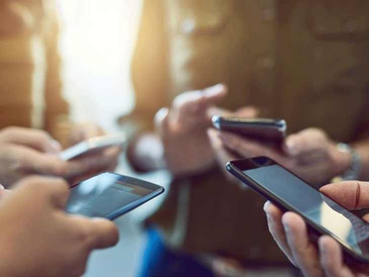 લોકો સોશિયલ મીડિયામાં એક્ટિવ રહે છે- પ્રતિકાત્મક તસવીર