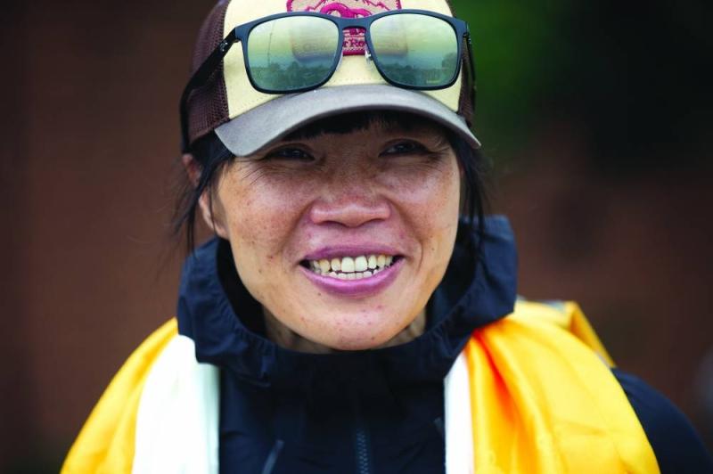 હોંગકોંગની 45 વર્ષીય ટીચરે માત્ર 25 કલાક 50 મિનિટમાં માઉન્ટ એવરેસ્ટ સર કર્યો, બેઝકેમ્પથી ટોચ સુધી માત્ર 2 વખત જ બ્રેક લીધો|લાઇફસ્ટાઇલ,Lifestyle - Divya Bhaskar