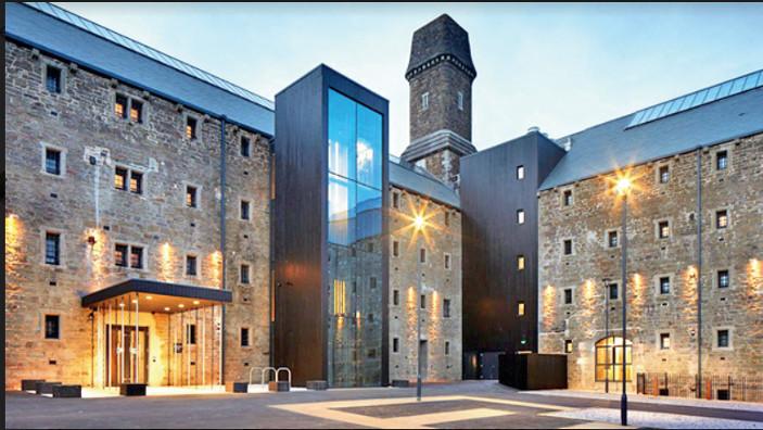 યુકેના સૌથી આકર્ષક વિસ્તારમાં સ્થિત બોડમિન જેલ હોટલમાં એક રાત વસવાટ કરવાનો ખર્ચ રૂ. 20 હજાર