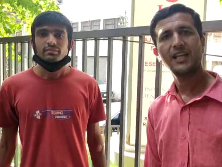 બે યુવાન 235 કિલોમીટર દૂરથી લોહી આપવા રાજકોટ આવ્યા રાજકોટ,Rajkot - Divya Bhaskar