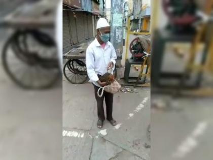 લોકડાઉનમાં ઘરમાંથી બહાર આવવા વ્યક્તિએ તેના મરઘાને કબજિયાતની સમસ્યા હોવાનું પોલીસને કારણ આપ્યું, અધિકારીએ હસતાં હસતાં કહ્યું ભાઈ તું ઘરે જા લાઇફસ્ટાઇલ,Lifestyle - Divya Bhaskar