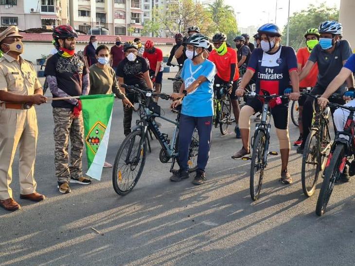સાયકલ દિવસ પર યુવકોએ સાયક્લિંગ કરીને ઉજવણી કરી હતી. - Divya Bhaskar