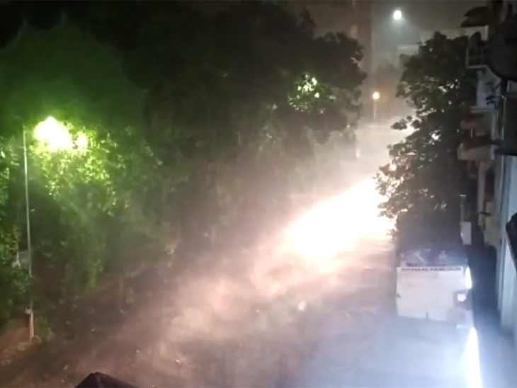 અમદાવાદમાં કલાકમાં એક ઈંચ વરસાદ ખાબક્યો; આણંદ-નડિયાદ સહિત વડોદરામાં પણ મેઘરાજાની ધમાકેદાર એન્ટ્રી|અમદાવાદ,Ahmedabad - Divya Bhaskar