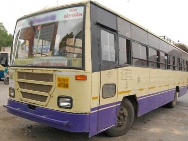 સલામત એસટી અમારી અને તેમાં સુરક્ષિત દારૂની હેરાફેરી|વાપી,Vapi - Divya Bhaskar