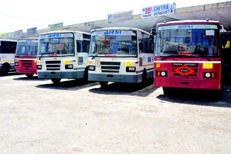 કોરોનાકાળમાં બસો બંધ રહેતા આવક ન હોવાથી એસ.ટી વિભાગને 500 કરોડથી વધુનું નુકસાન થયું|ગાંધીનગર,Gandhinagar - Divya Bhaskar