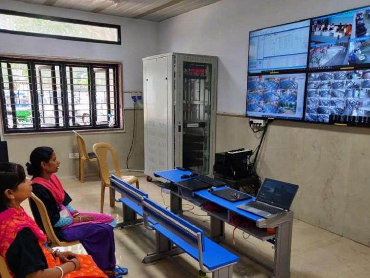 સોમવારથી ફરી એકવાર ગુજરાતમાં સ્કૂલ-કોલેજોનું ઓનલાઇન શિક્ષણ શરૂ થશે, યુનિવર્સિટીઓ માટે એકેડેમિક કેલેન્ડર જાહેર|અમદાવાદ,Ahmedabad - Divya Bhaskar