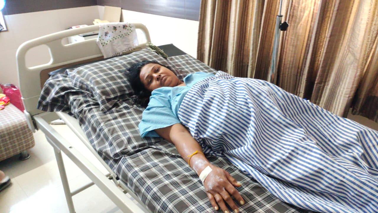 ભરૂચમાં કોરોના બાદ મહિલાના આંતરડામાં ગેંગરીન થયું, બે ફૂટ આંતરડું કાઢી જીવ બચાવાયો|ભરૂચ,Bharuch - Divya Bhaskar