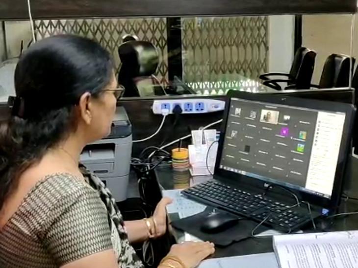 વેકેશન બાદ આજથી નવા શૈક્ષણિક સત્રનો પ્રારંભ, રાજકોટમાં શાળા-કોલેજોમાં 100% સ્ટાફ સાથે ઓનલાઈન શિક્ષણ શરૂ રાજકોટ,Rajkot - Divya Bhaskar