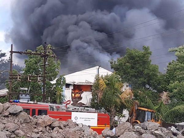 પુણેની કેમિકલ ફેક્ટરીમાં ભીષણ આગ, 15 મહિલા સહિત 17 કર્મચારીનાં મોત; 20 લોકોને બચાવાયા ઈન્ડિયા,National - Divya Bhaskar