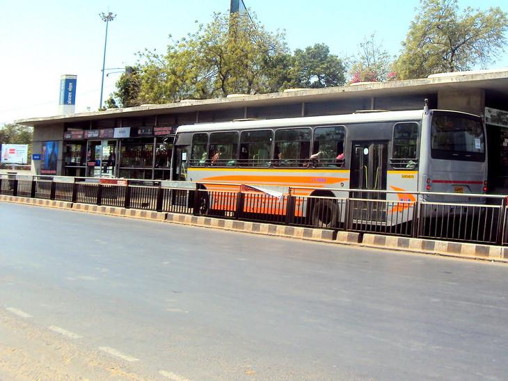 82 દિવસ પછી AMTS-BRTS, 14 મહિના પછી કોર્ટો, સ્કૂલ-કોલેજોમાં ઓનલાઈન શિક્ષણ શરૂ થશે|અમદાવાદ,Ahmedabad - Divya Bhaskar