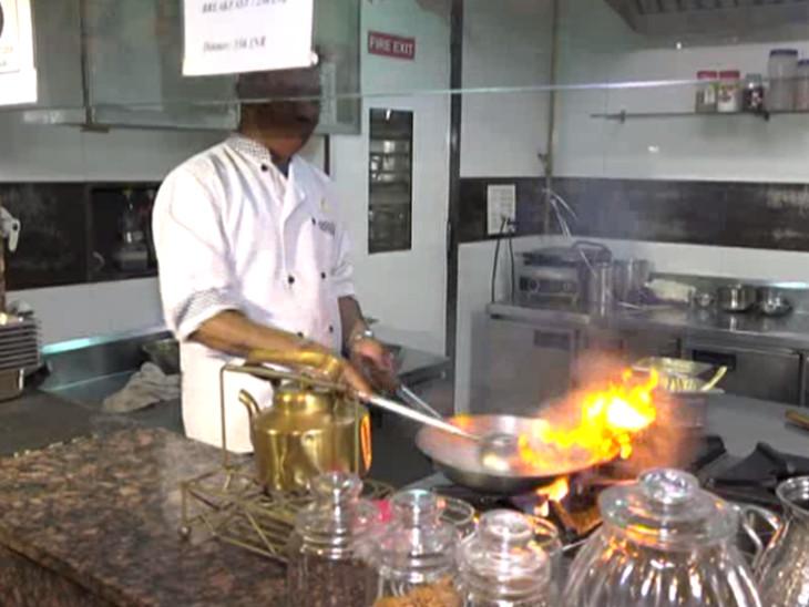 રાહતની જાહેરાતને જાહેરાતને ધી સઘન ગુજરાત હોટેલ એન્ડ રેસ્ટોરન્ટ એસોસિયેશને આવકારી