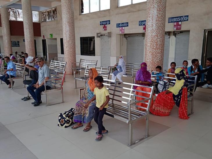 જિલ્લામાં ગામડાની 200 ટ્રીપ બંધ, 99 ટકા ગ્રામ્ય વિસ્તારોને ST બસથી જોડ્યાનો મુખ્યમંત્રીનો દાવો પોકળ સુરેન્દ્રનગર,Surendranagar - Divya Bhaskar