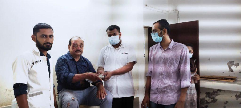 ઇમરજન્સી સેવાના કર્મચારીએ રૂ.40 હજાર રોકડા અને એક મોબાઇલ દર્દીને પાછો આપ્યો|જામનગર,Jamnagar - Divya Bhaskar