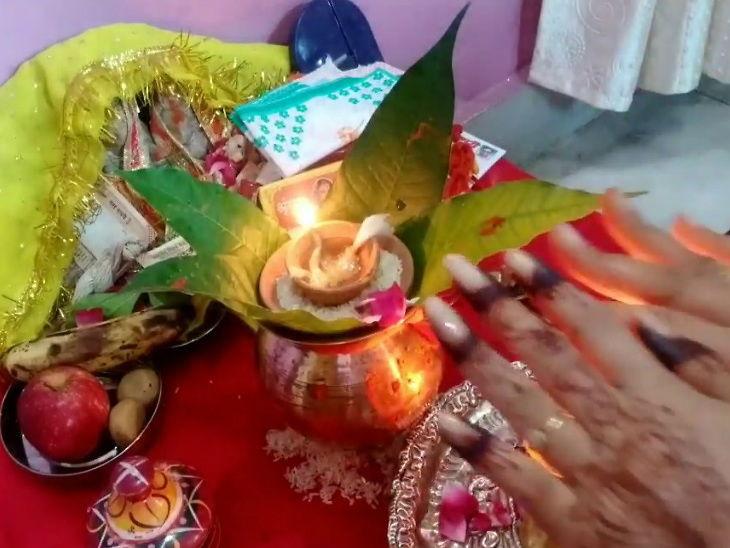 13મીએ રંભા તીજ, પતિની લાંબી ઉંમર અને સંતાન સુખ માટે સોળ શ્રૃંગાર કરીને મહિલાઓ વ્રત રાખે છે|ધર્મ,Dharm - Divya Bhaskar