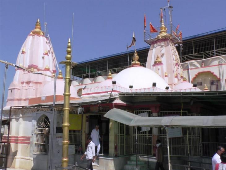 ડભોઇનું સૂપ્રસિધ્ધ કુબેરભંડારી મંદિર ખુલ્યું, માસ્ક પહેરીને જ દર્શન અને પરિસરમાં બેસવાની મનાઈ|વડોદરા,Vadodara - Divya Bhaskar