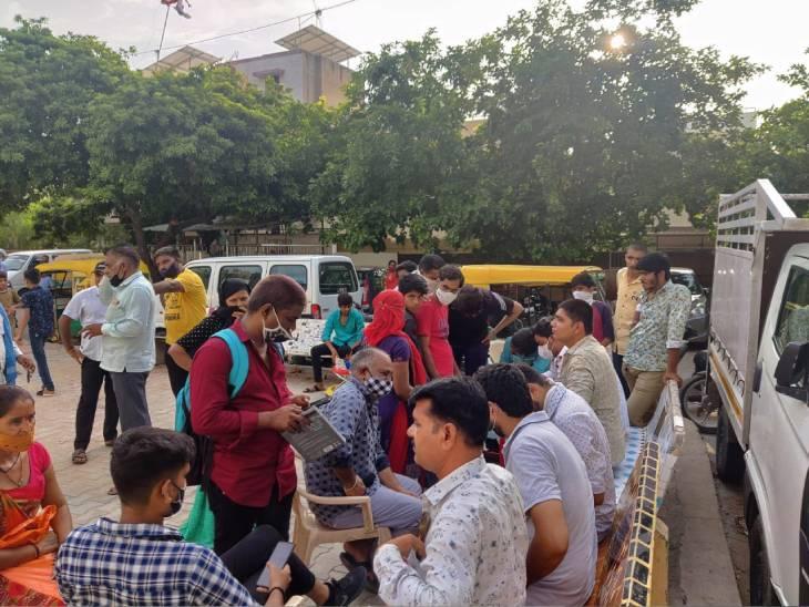 સમાજના કાર્યકર્તાઓની એક ટીમ સમાજના નાગરીકોની મદદે આવી - Divya Bhaskar