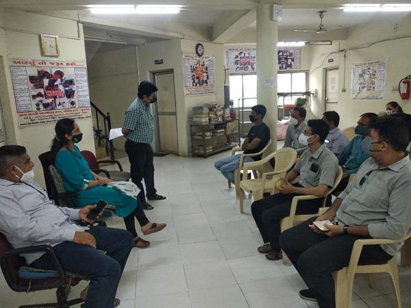 ડીઝાસ્ટર મેનેજમેન્ટની ઓફીસે તબકકાવાર તાલીમ આપવામાં આવી રહી છે. - Divya Bhaskar