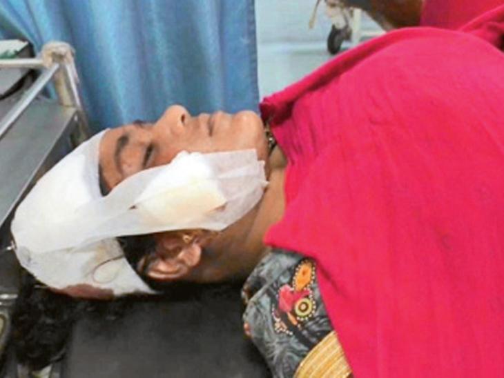 વરેલીમાં ગાંજો વેચનારે મહિલા પર સળિયા-લાકડાથી હુમલો કર્યો|પલસાણા,Palsana - Divya Bhaskar
