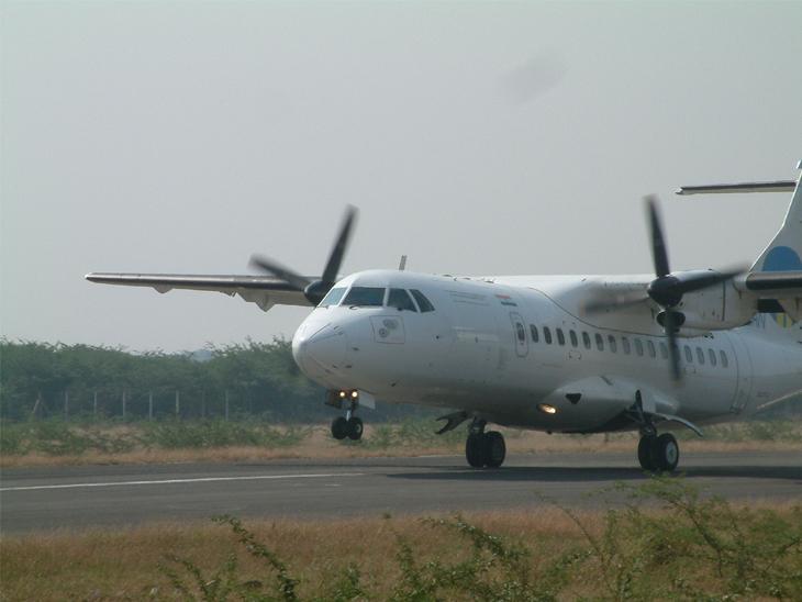 મુંબઇ એરપોર્ટ વ્યસ્ત રહેતું હોવાથી પાઇલોટ ટ્રેનિંગ માટે સુરત એરપોર્ટ પહેલી પસંદ, 178 ફ્લાઇટ ઓપરેટ થઈ|સુરત,Surat - Divya Bhaskar