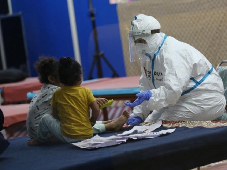 બાળકોના વાલીઓએ રસી અવશ્ય મૂકાવી લેવી.