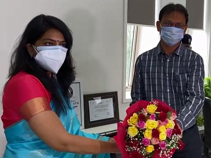 શાલિની અગ્રવાલે મ્યુનિસિપલ કમિશનર તરીકેનો ચાર્જ સંભાળ્યા બાદ કોર્પોરેશનના અધિકારીઓ તેમજ ચૂંટાયેલા હોદ્દેદારો દ્વારા શુભેચ્છા પાઠવવામાં આવી હતી