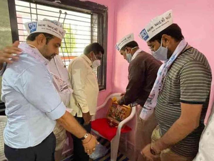 કેજરીવાલના આગમન પૂર્વે જ ગુજરાતમાં રાજકીય હલચલ