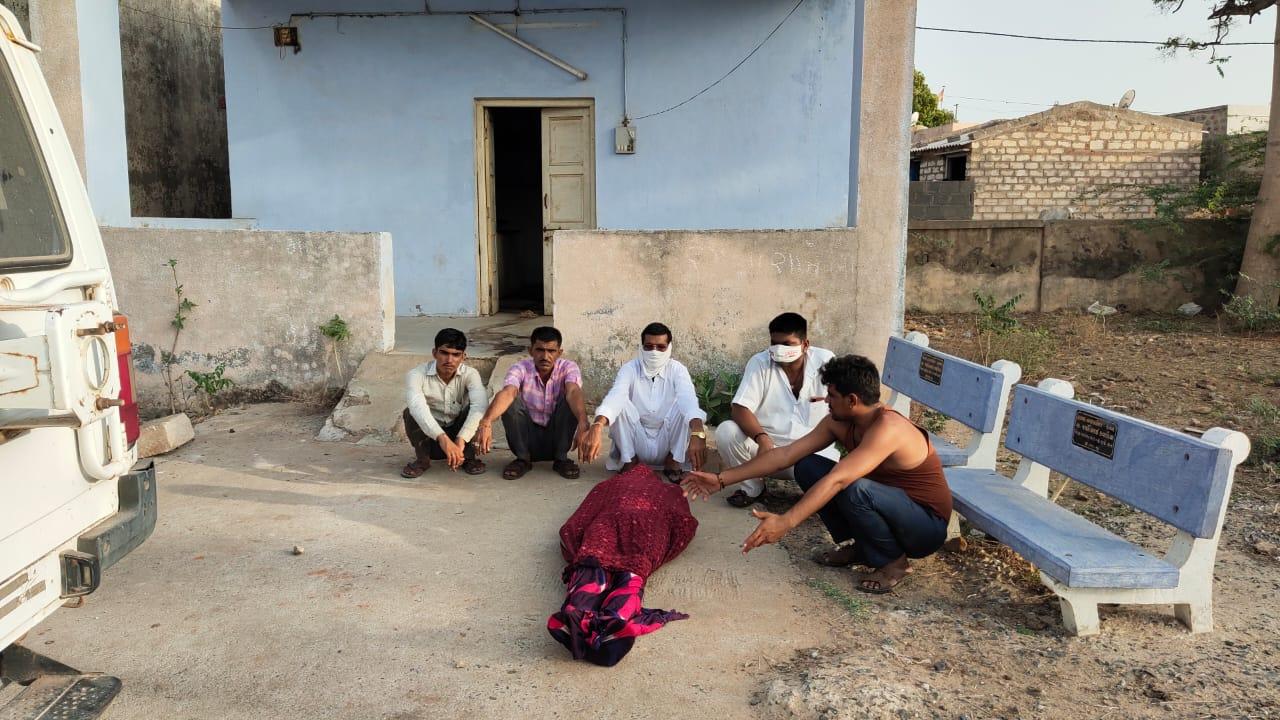 હળવદના સુખપર નજીક નર્મદા કેનાલમાં ડૂબી જતા રાજસ્થાનના યુવાનનું મોત - Divya Bhaskar