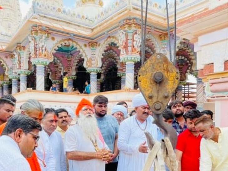 ધર્મ સ્તંભનું ખાતમુહૂર્ત કાર્યક્રમ યોજાયો હતો. - Divya Bhaskar