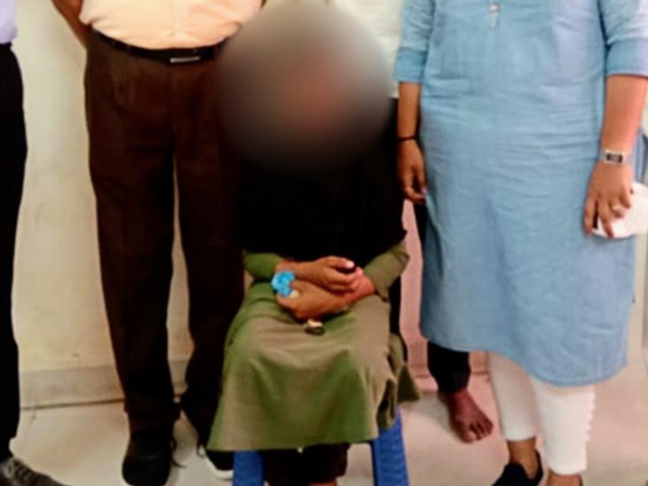 ઓપરેશન કરાવનાર બાળકીની તસવીર. - Divya Bhaskar