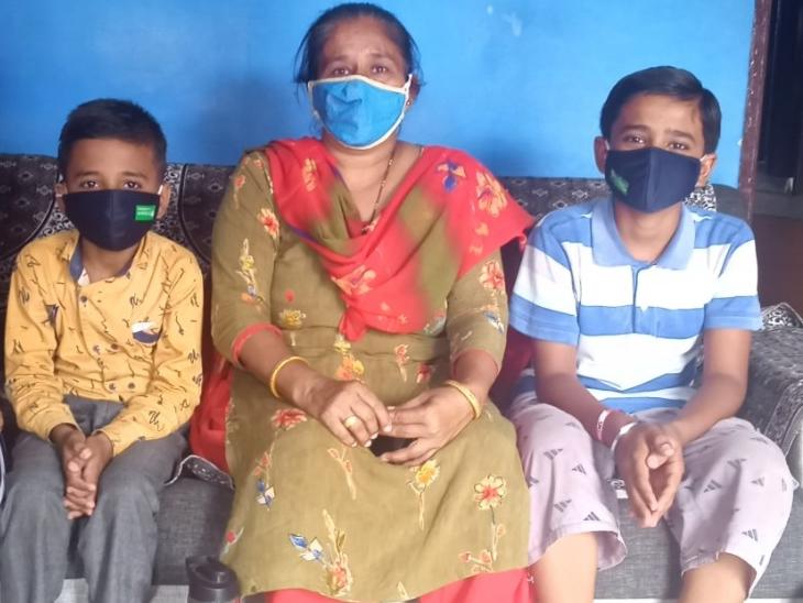 દિવ્યાંગ બાળકોનો સર્વે કરવા સ્પેશ્યલ એજ્યુકેટરે રૂબરૂ મુલાકાત લીધી હતી. - Divya Bhaskar
