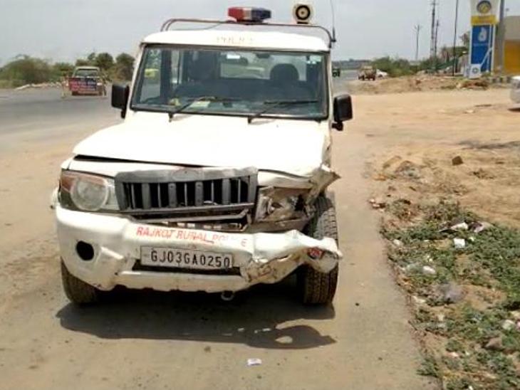 રોજકોટ પોલીસની બોલેરો અને કાર વચ્ચે  અકસ્માત. - Divya Bhaskar