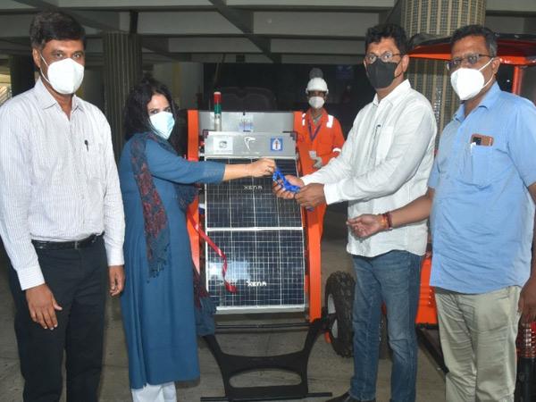 હવે ગટરની સફાઈ રોબોટિક ક્લીનિંગ મશીન દ્વારા કરાશે વડોદરા,Vadodara - Divya Bhaskar